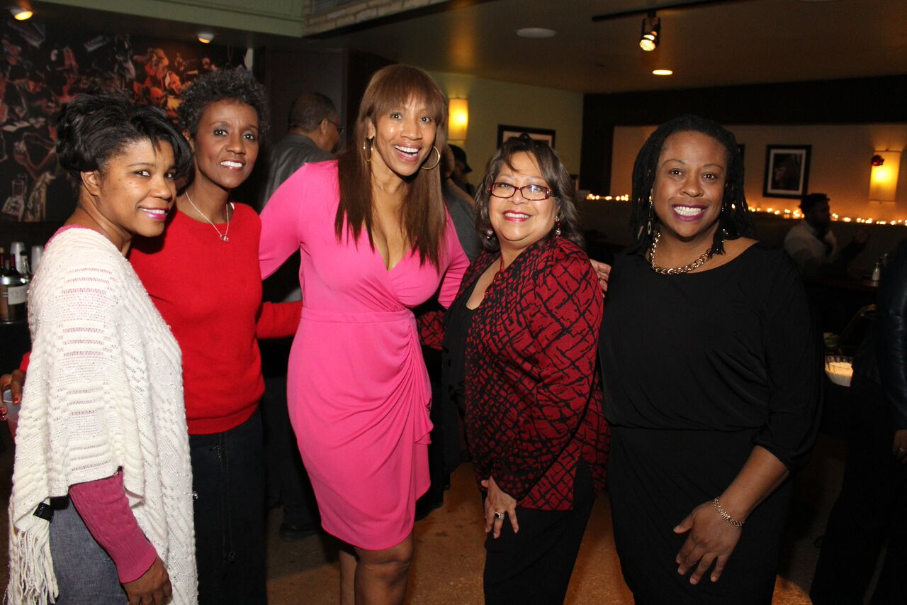 Cheryl Pearson McNeil, SVP US Strategic Community Alliance and Consumer Engagement, Nielsen (center), with Kathy Chaney, NABJ Chicago President (senior producer, WBEZ); NABJ CC Board Member Dorothy Tucker and NABJ Vice President Broadcast (CBS reporter); Lynn Norment, NABJ CC Board Member (Lynn Norment Media); and Maudlyne Ihejirika, NABJ CC VP (Chicago Sun-Times editor/reporter). Photo by Billy Montgomery for NABJ Chicago.